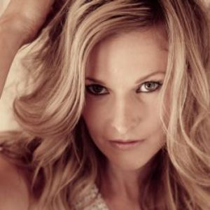 Elizabeth Cook Header